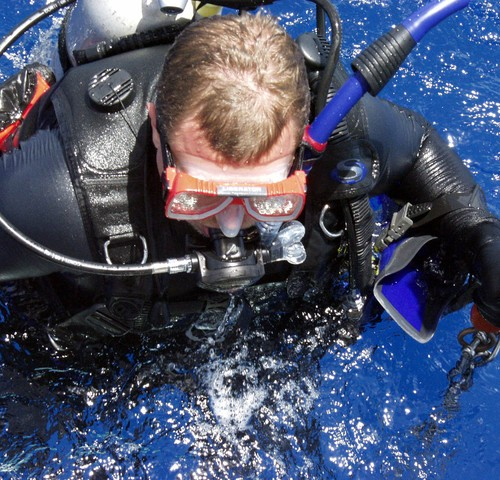 image of an underwater diver